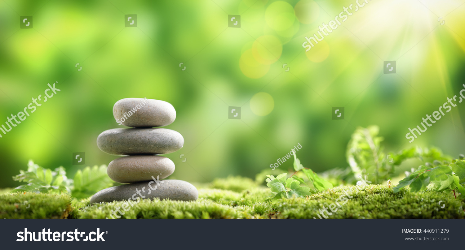Célèbre Stack Zen Stones On Nature Background Stock Photo 440911279  XR07