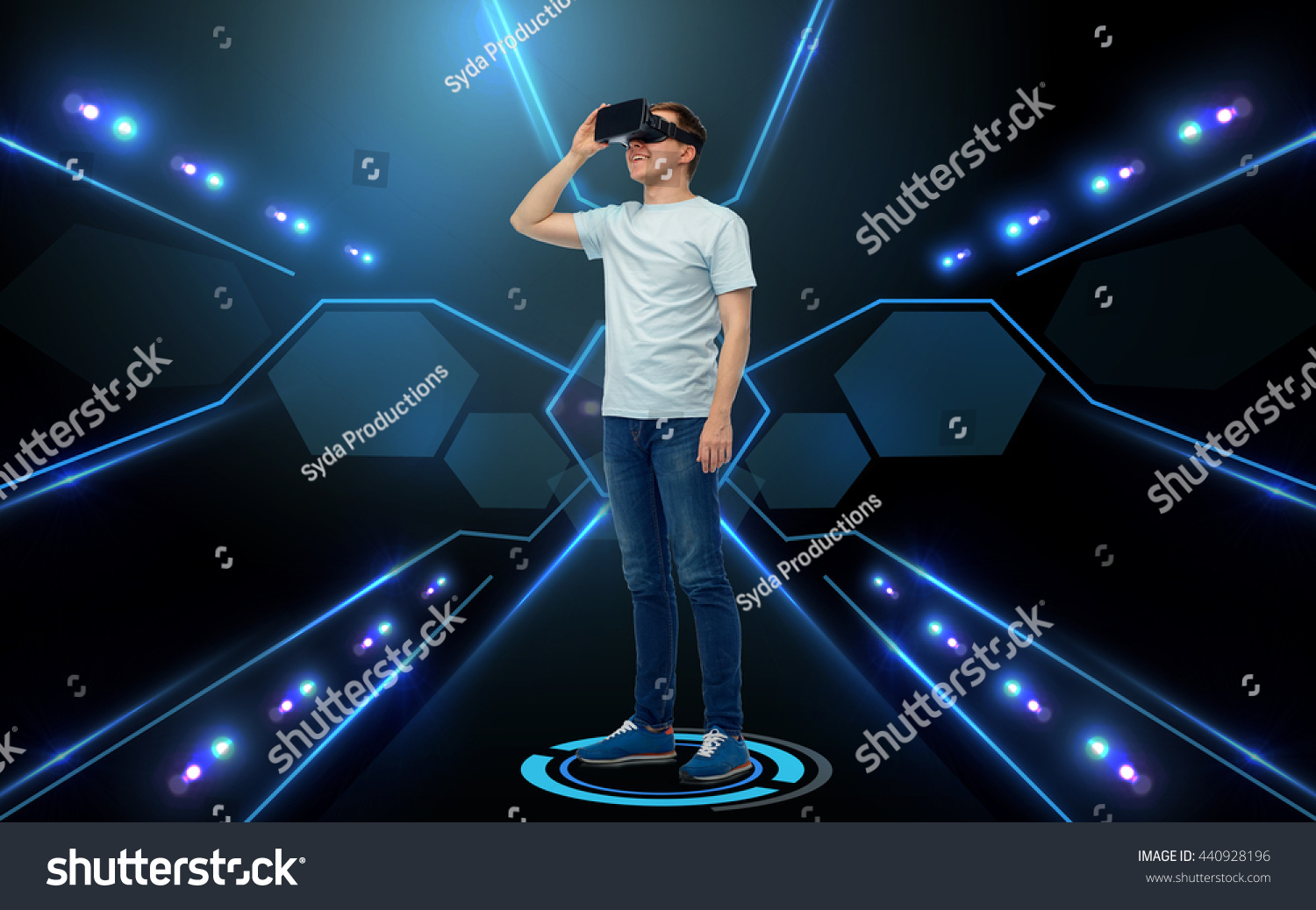 9fd6caea47b 3 D Technology Virtual Reality Cyberspace People Stock Photo (Edit ...