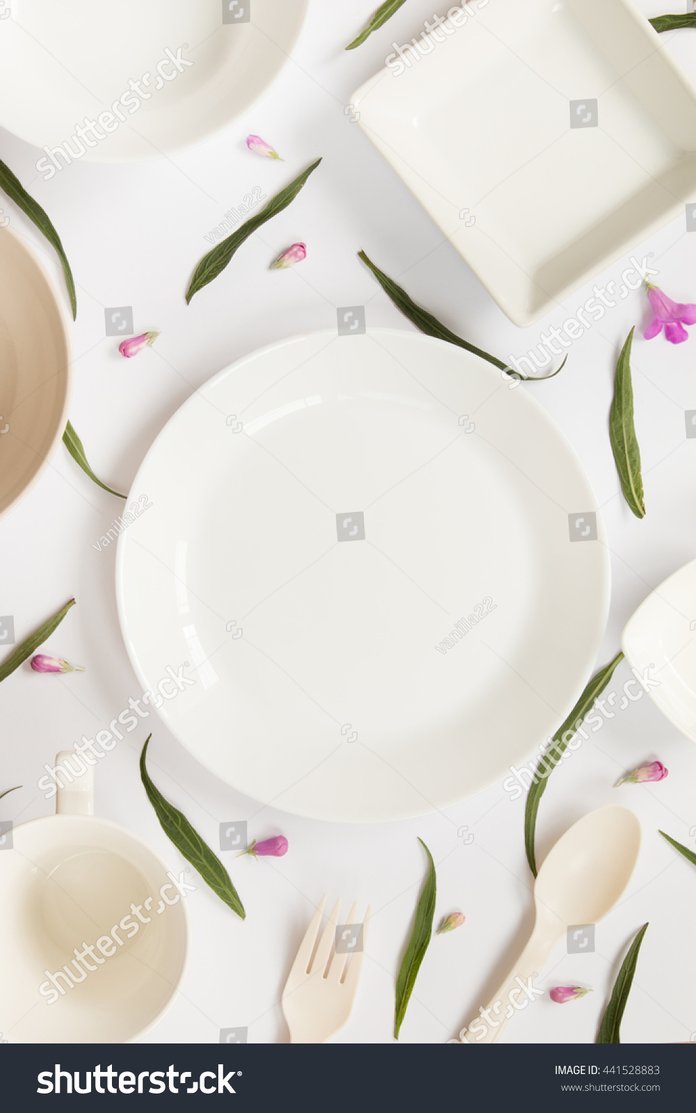 White Kitchenware Leaves Flowers Decorate Isolated Stock Photo ...