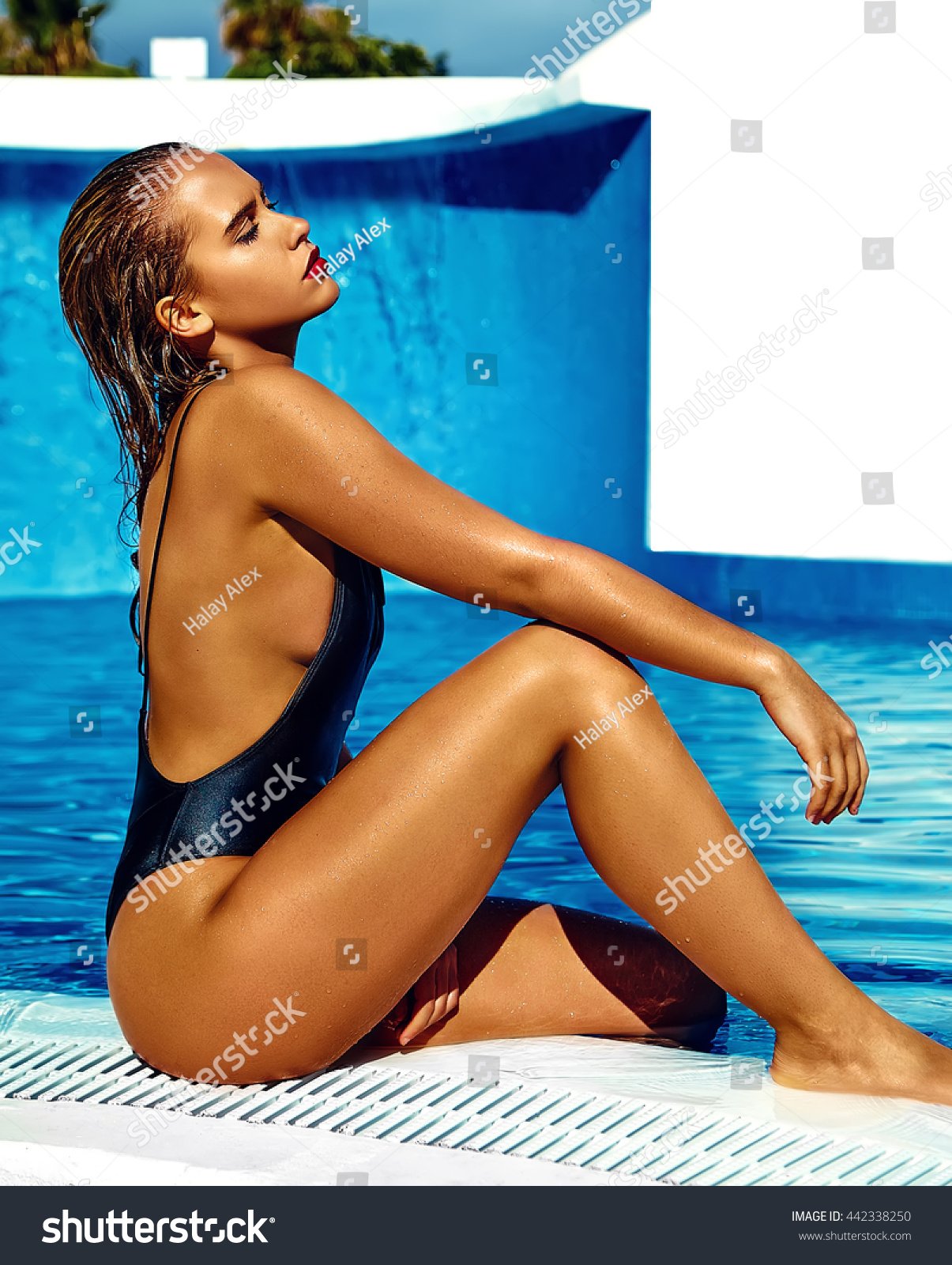image Bronzed tanned and wet thai girl 2