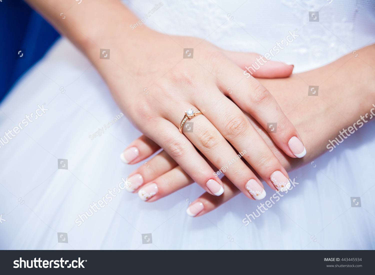 Brides Hands Wedding Rings Close Stock Photo 443445934 - Shutterstock