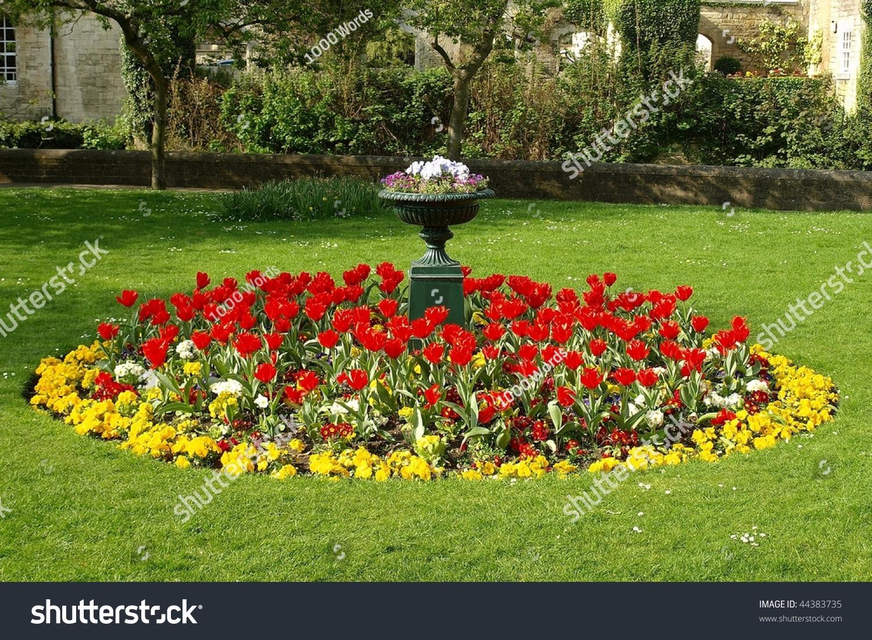 Flower Bed In A Formal Garden Stock Photo 44383735 : Shutterstock