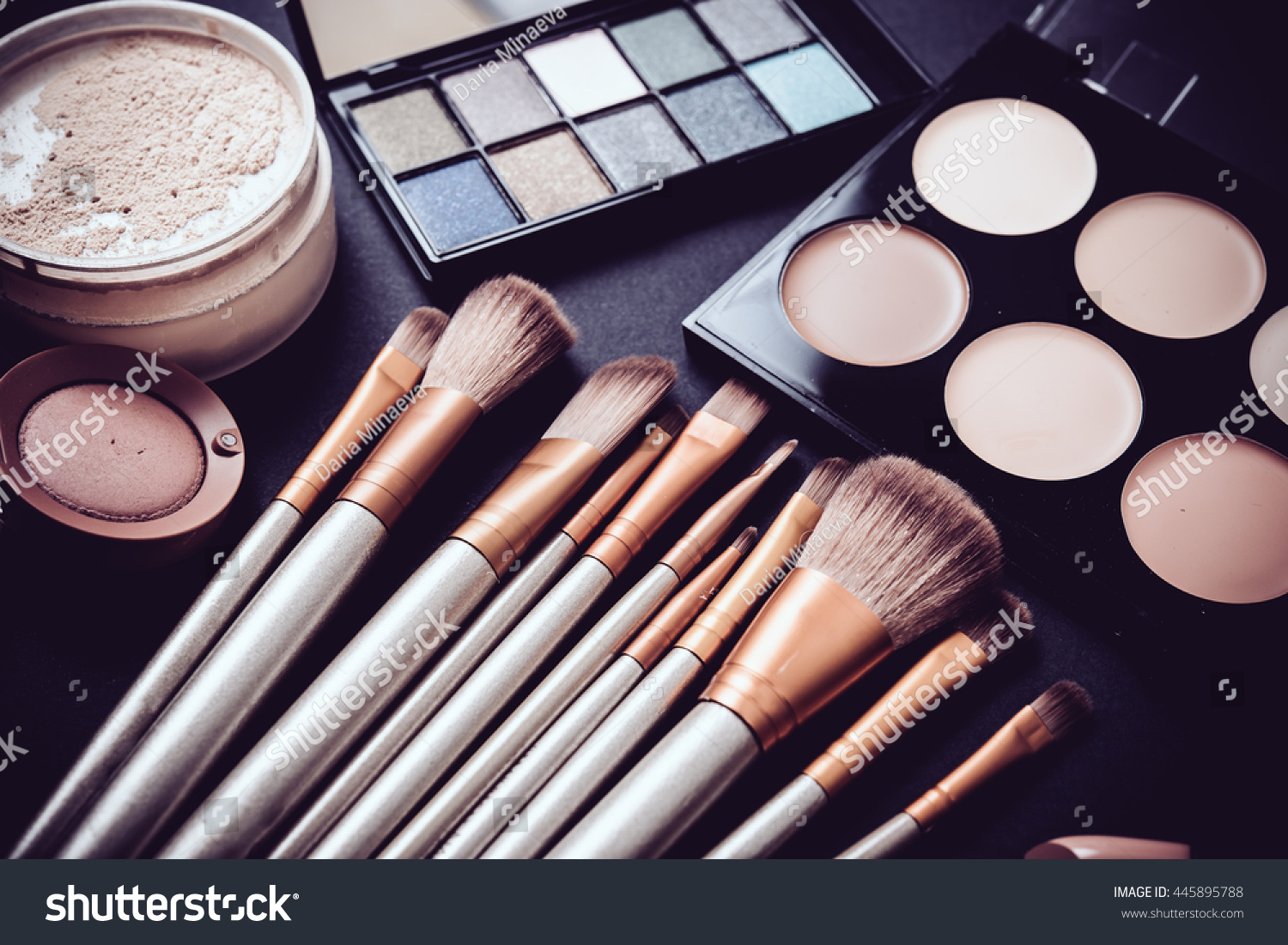 professional makeup brushes tools makeup products stock. Black Bedroom Furniture Sets. Home Design Ideas