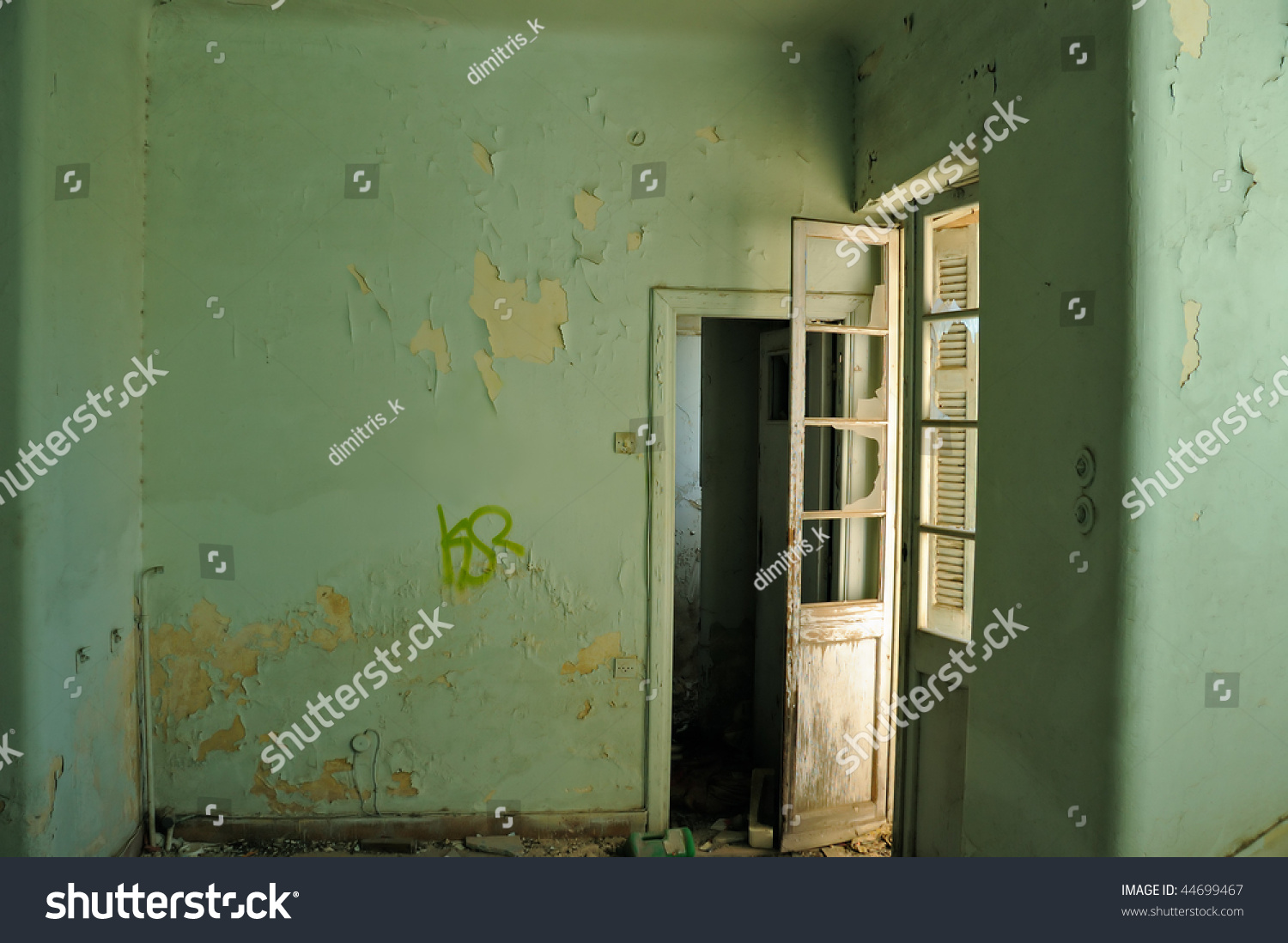 Empty Room And Textured Peeling Paint Wall Abandoned House Interior Stock Photo 44699467