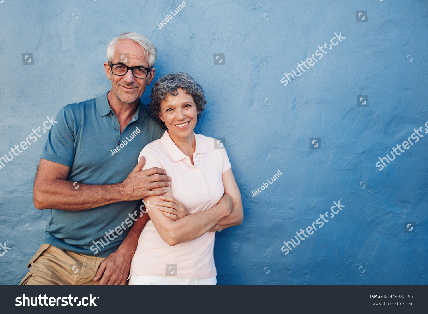 middle aged mature man looking for woman older 20 Whereas women tend to prefer men of the same age or slightly older whereas women tend to prefer men of the same age or are looking for women in their.