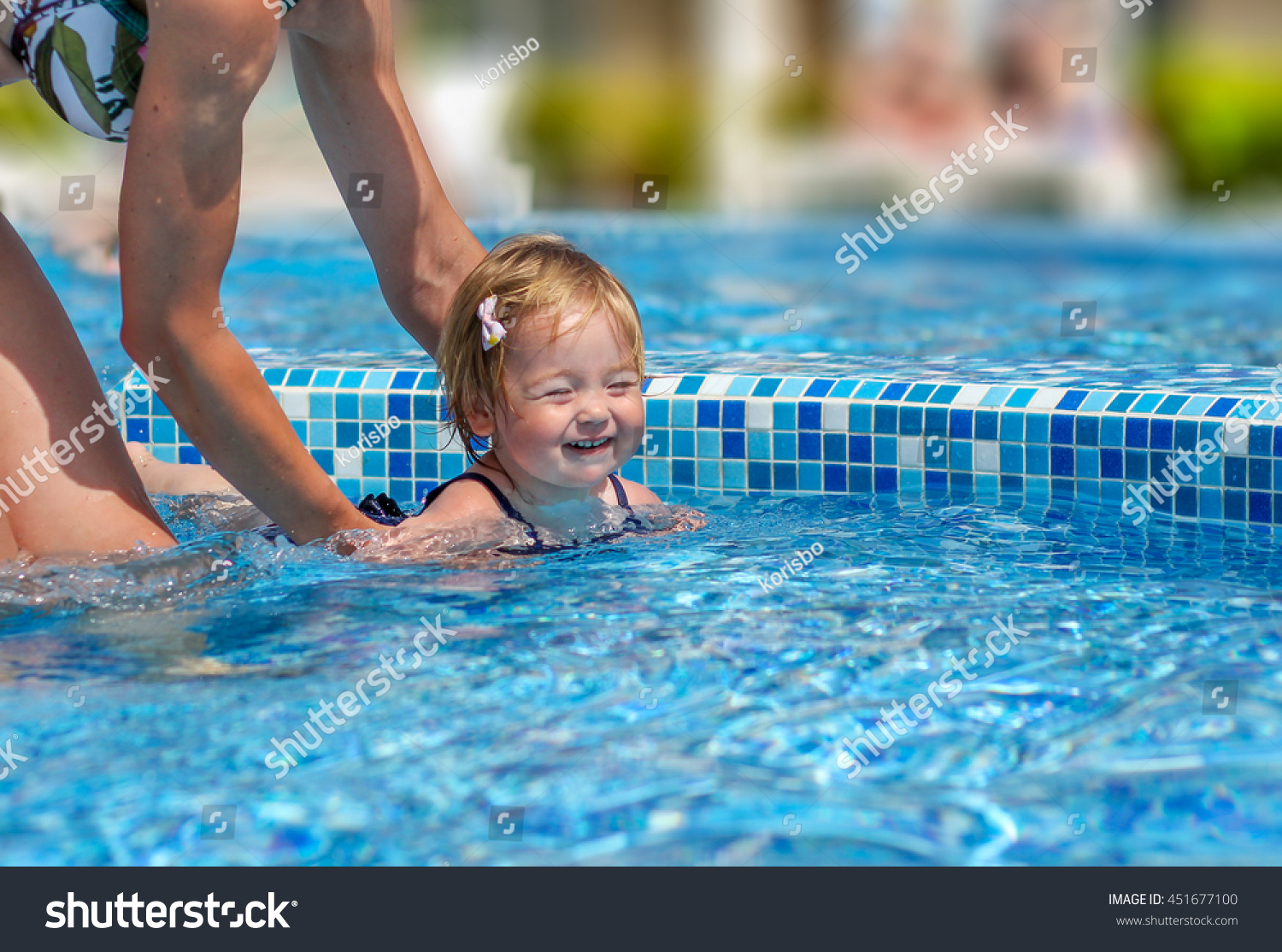 learn how to swim summer holidays
