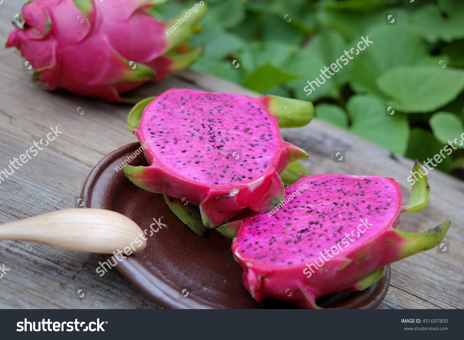 Eating Dragon Fruit, A Tropical Fruits, Vietnam Agriculture How To Eat  Vietnamese Dragon Fruit