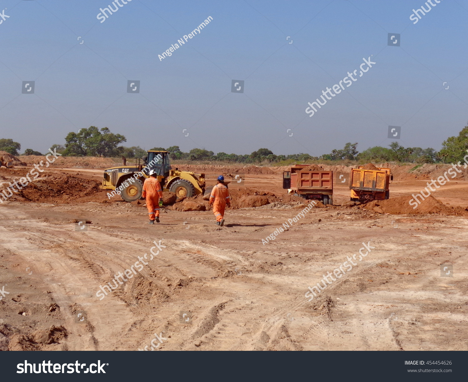 Doba chad circa 2013 workers soil stock photo 454454626 for Soil reclamation