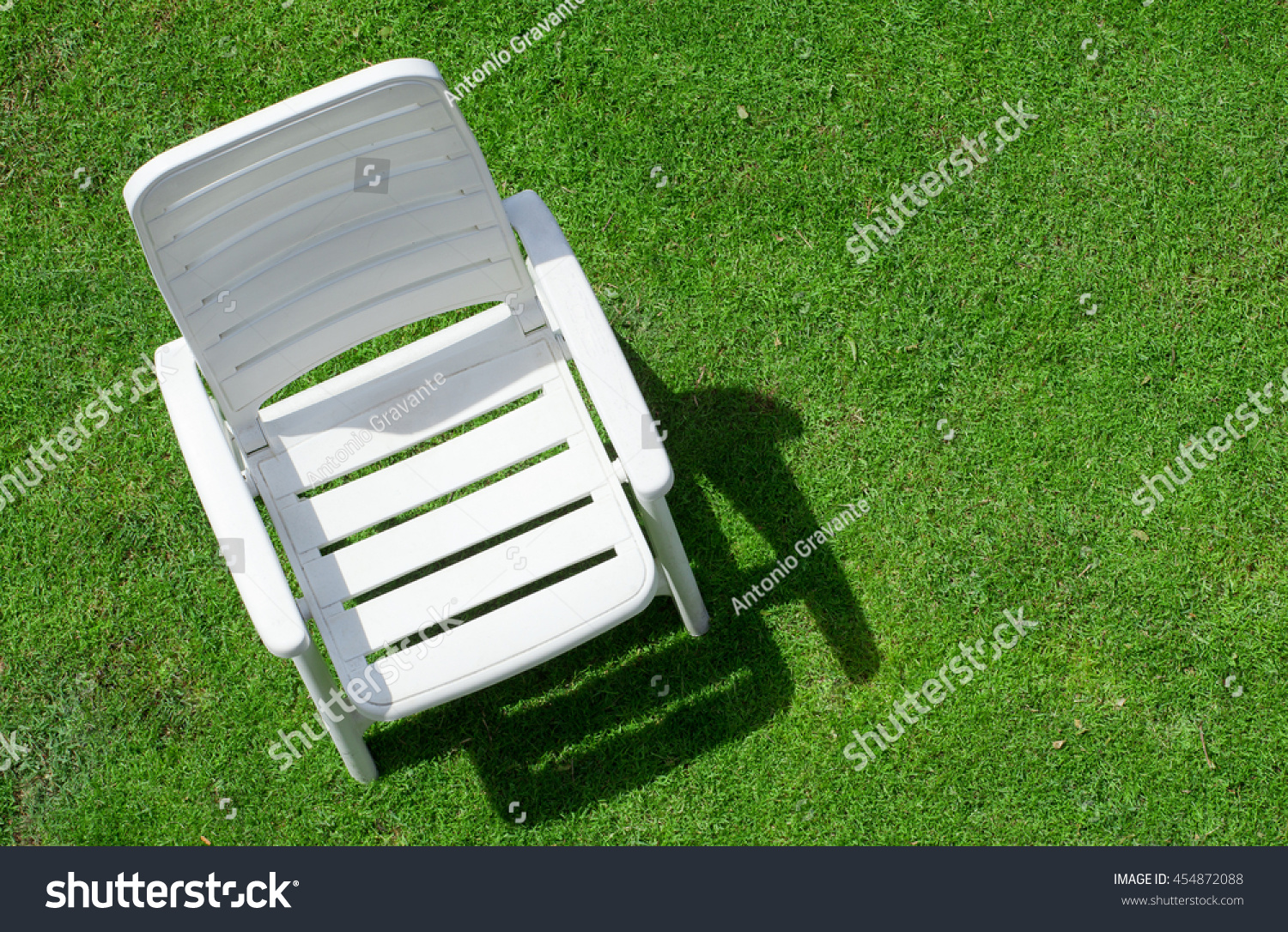 Garden chair top view - Top View Of A Empty Garden Chair On Law Preview Save To A Lightbox