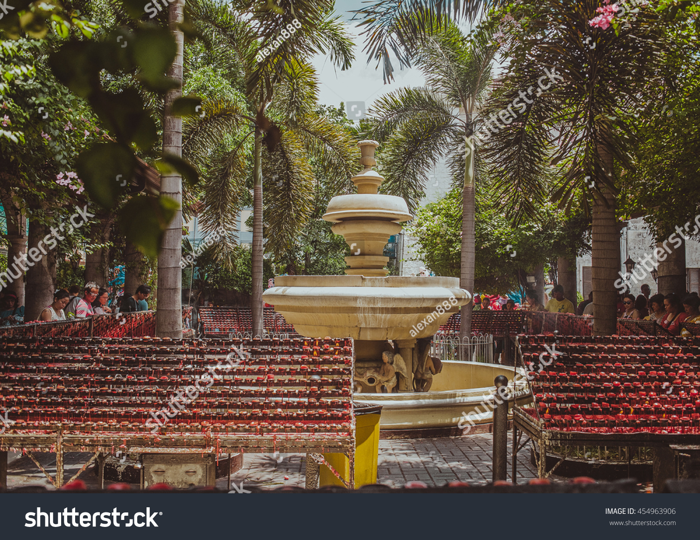 MANILA PHILIPPINES July 15th Fountain Courtyard Stock Photo (Edit ...