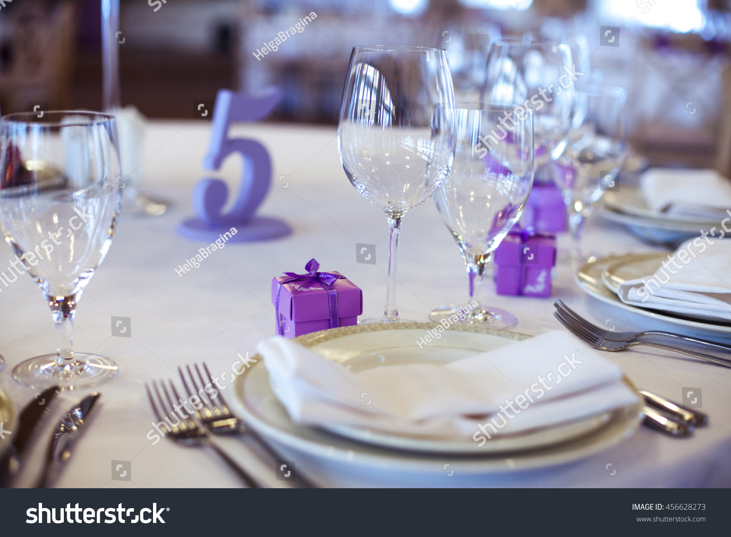 Wedding Table Decoration With Cupcakes Flowers And Candles For