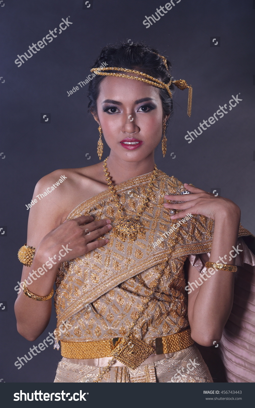 f0d7759c2 Asia Girl in Thai Traditional Antique Dress of Old Kingdom in Siam, Southeast  Asia,