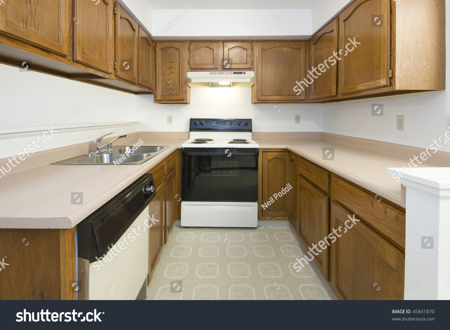 Remodeling Old Kitchen Ugly Empty Old Kitchen Before Remodeling Stock Photo 45841870