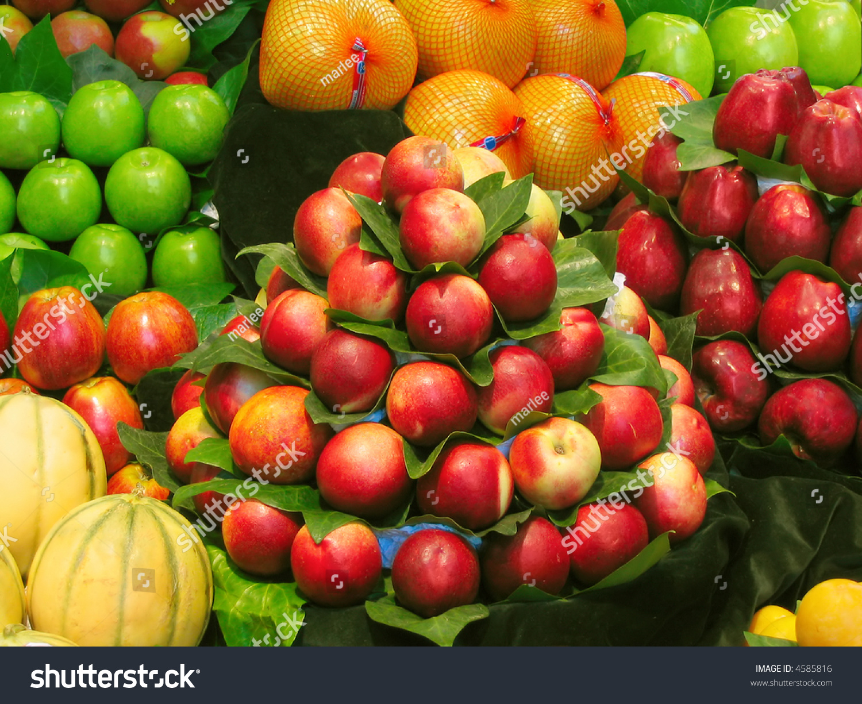 Beautiful fruit pictures - Beautiful Fruit Arrangement At The Market