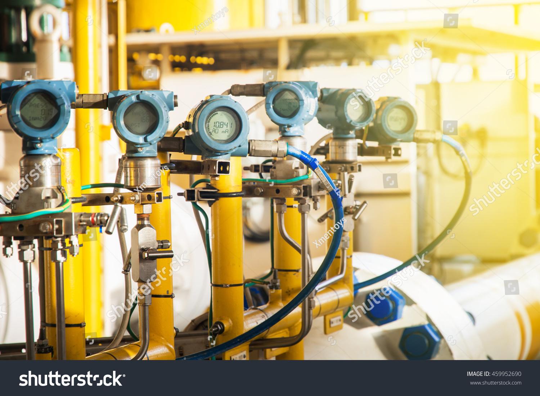 Oil And Gas Measuring Instruments : Pressure transmitter temperature measurement
