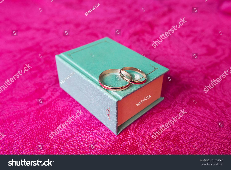 Gold Wedding Rings Blue Box Form Stock Photo (Royalty Free ...