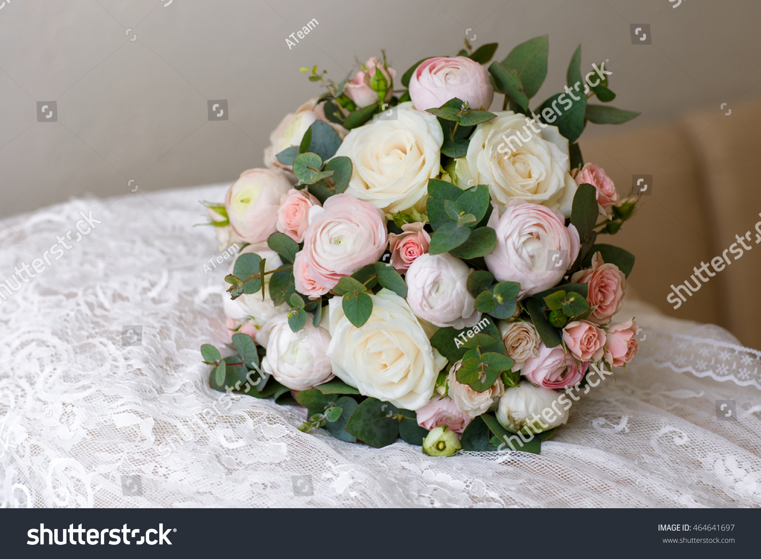 Flowers bouquet wedding decoration of bride, marriage roses and ...