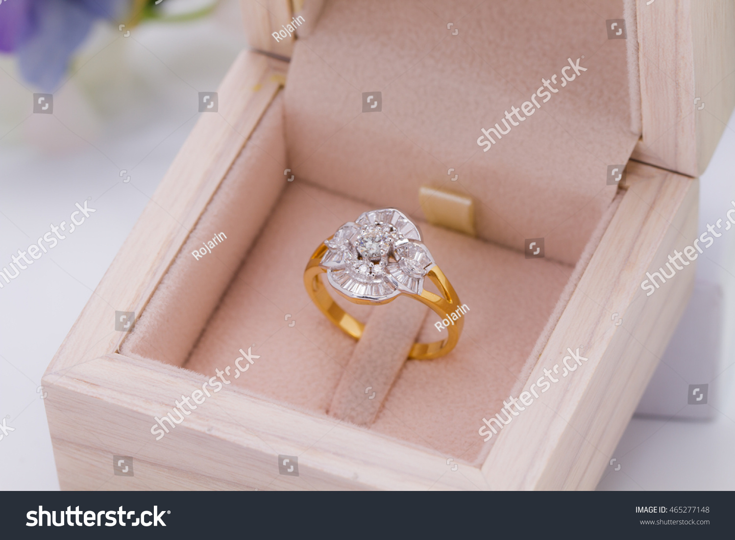 Diamond Classic Gold Ring Jewelry Box Stock Photo (Royalty Free ...