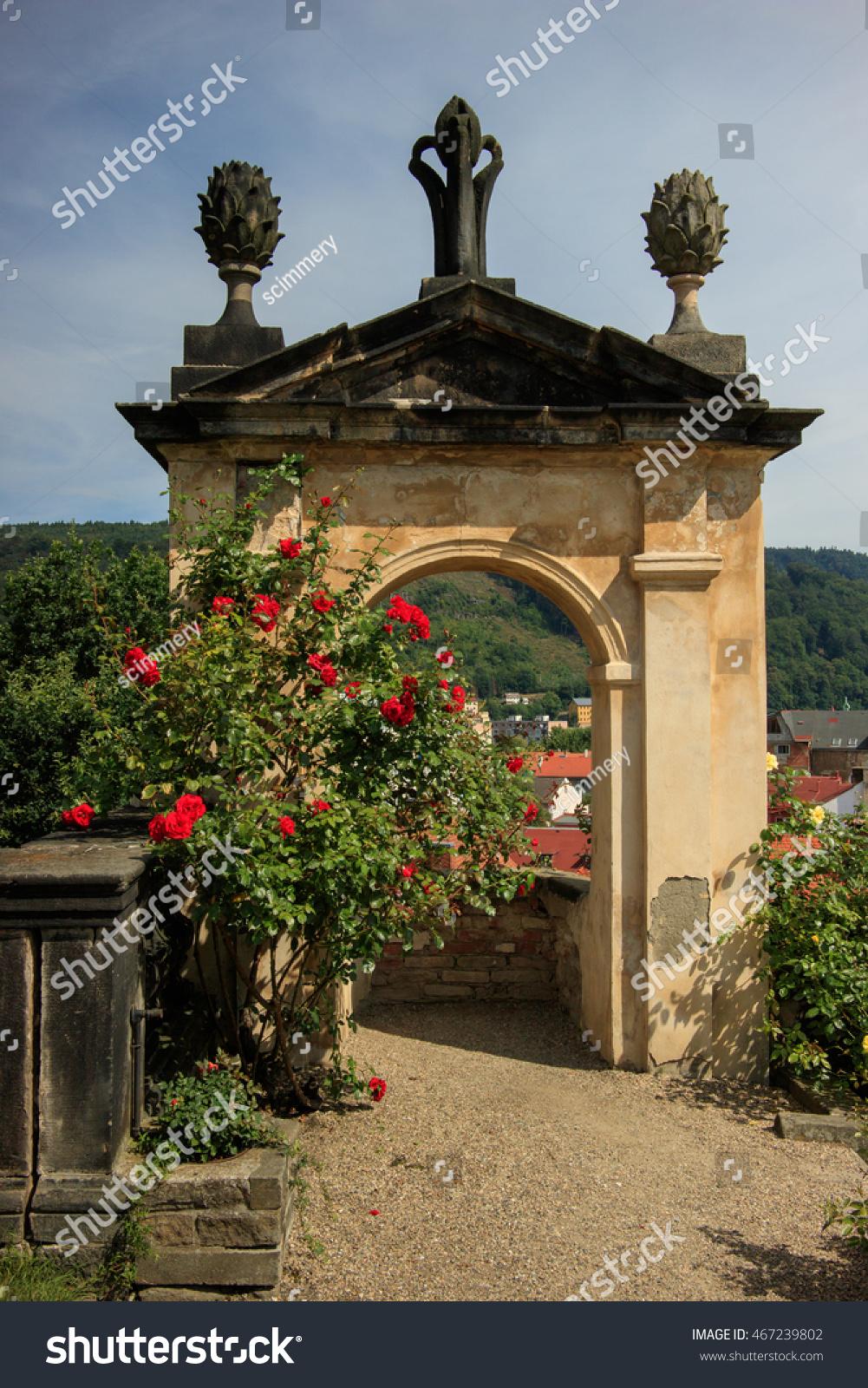 DECIN CZECH REPUBLIC Rose Gardens Castle Stock Photo (Royalty Free ...