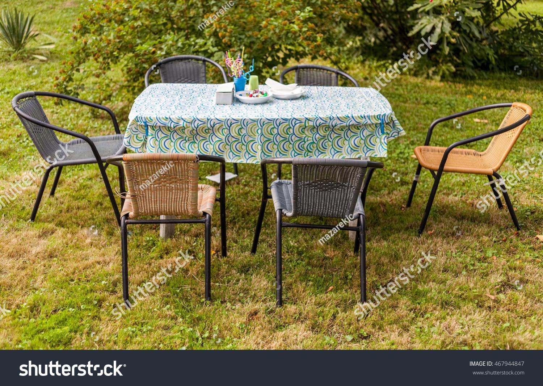 Genial Outdoor Summer Casual Garden Party