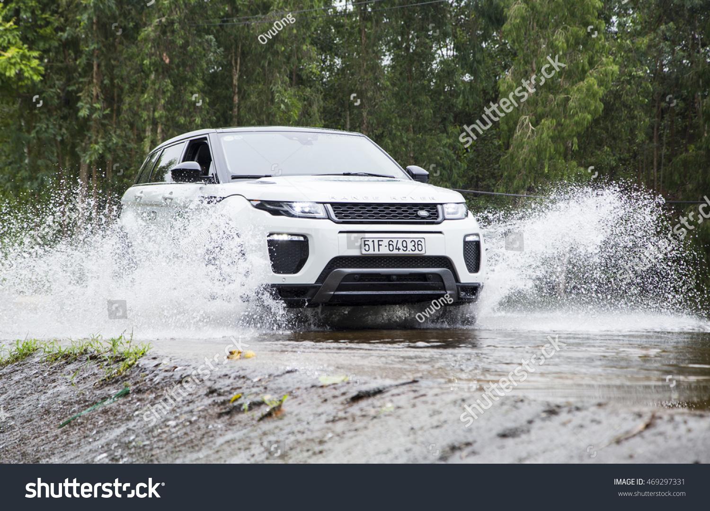 Bon Hanoi, Vietnam   July 13, 2016: Range Rover (Land Rover) Evoque