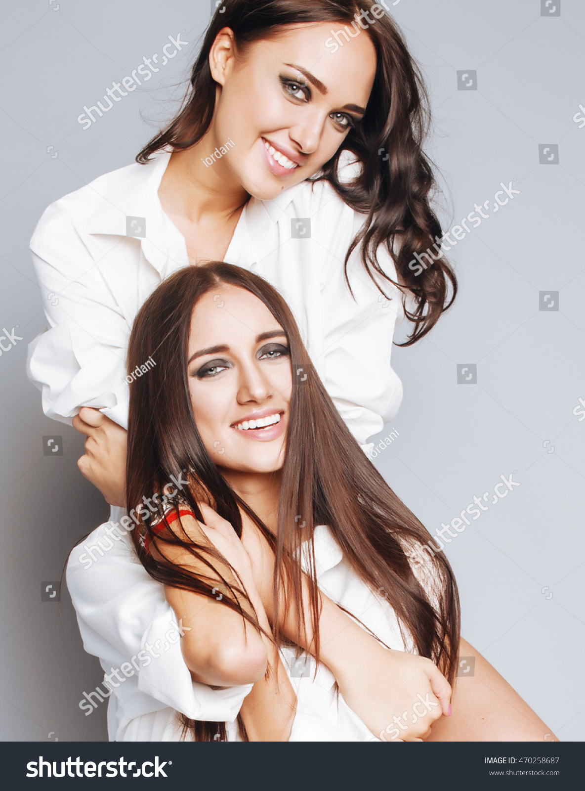 Two Sisters Twins Posing Making Photo Stock Photo 470258687 Shutterstock