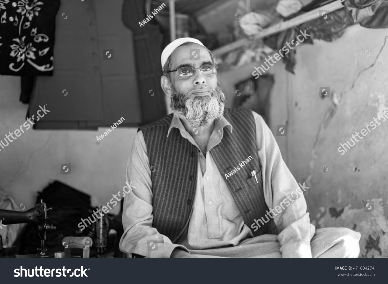 Peshawar pakistan may 15old man his wait for his custamor in tailer