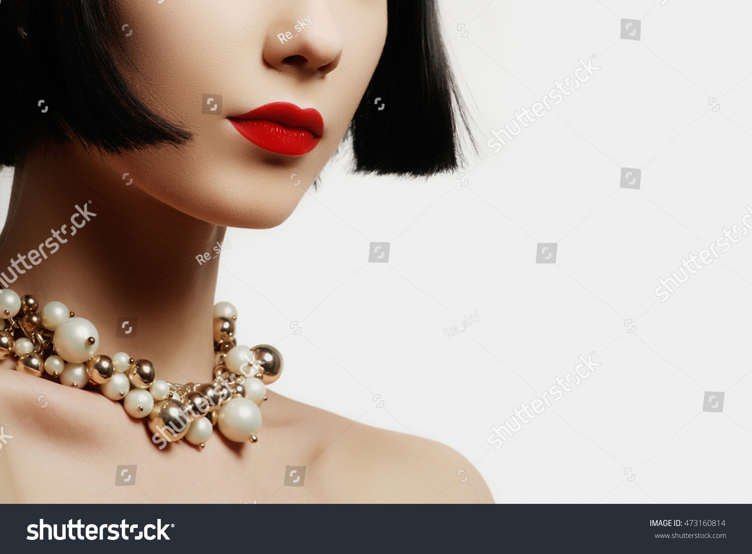 woman voronin in and stock photo depositphotos up earrings close of expensive by pendant beautiful