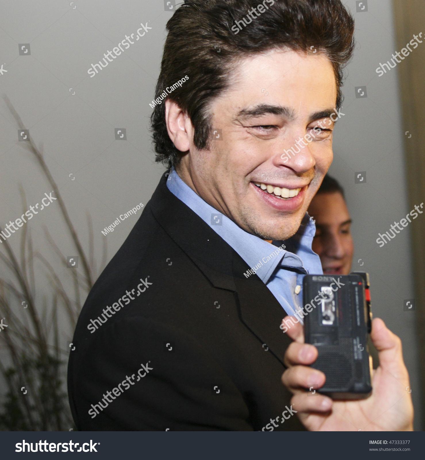 Mexico City February 08 Actor Benicio Stock Photo Edit Now Del Press Release Toro Attends The Wolfman