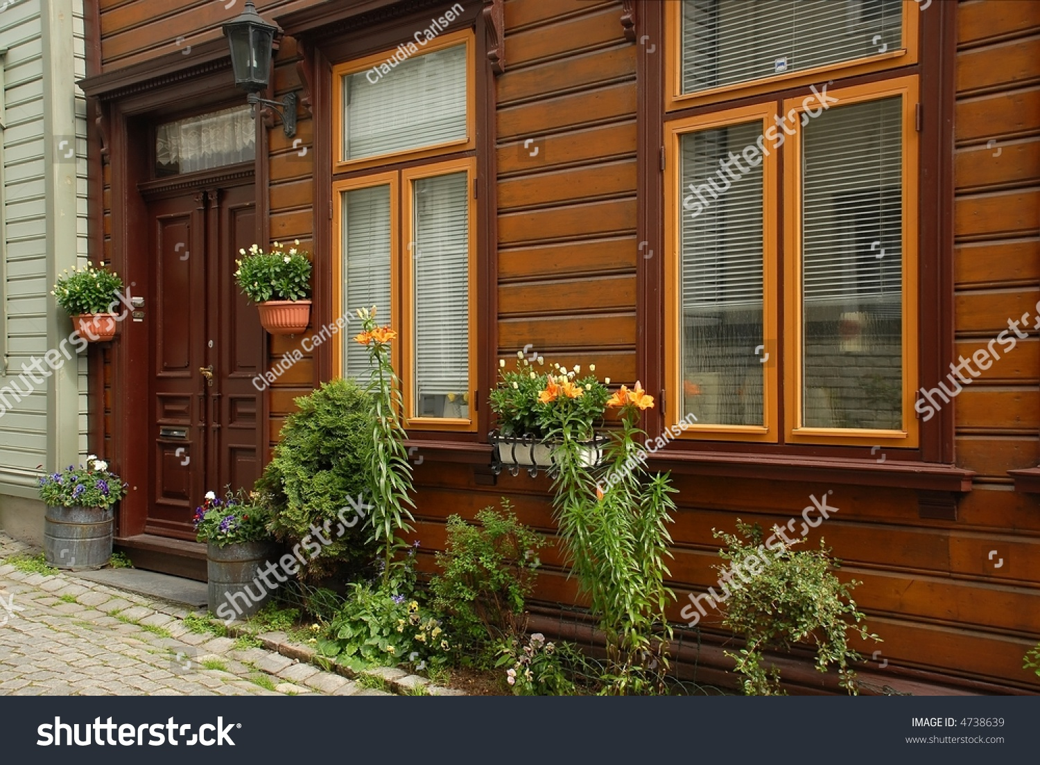 Traditional Cozy Wooden House Bergen Norway Stock Photo - Cozy wooden house