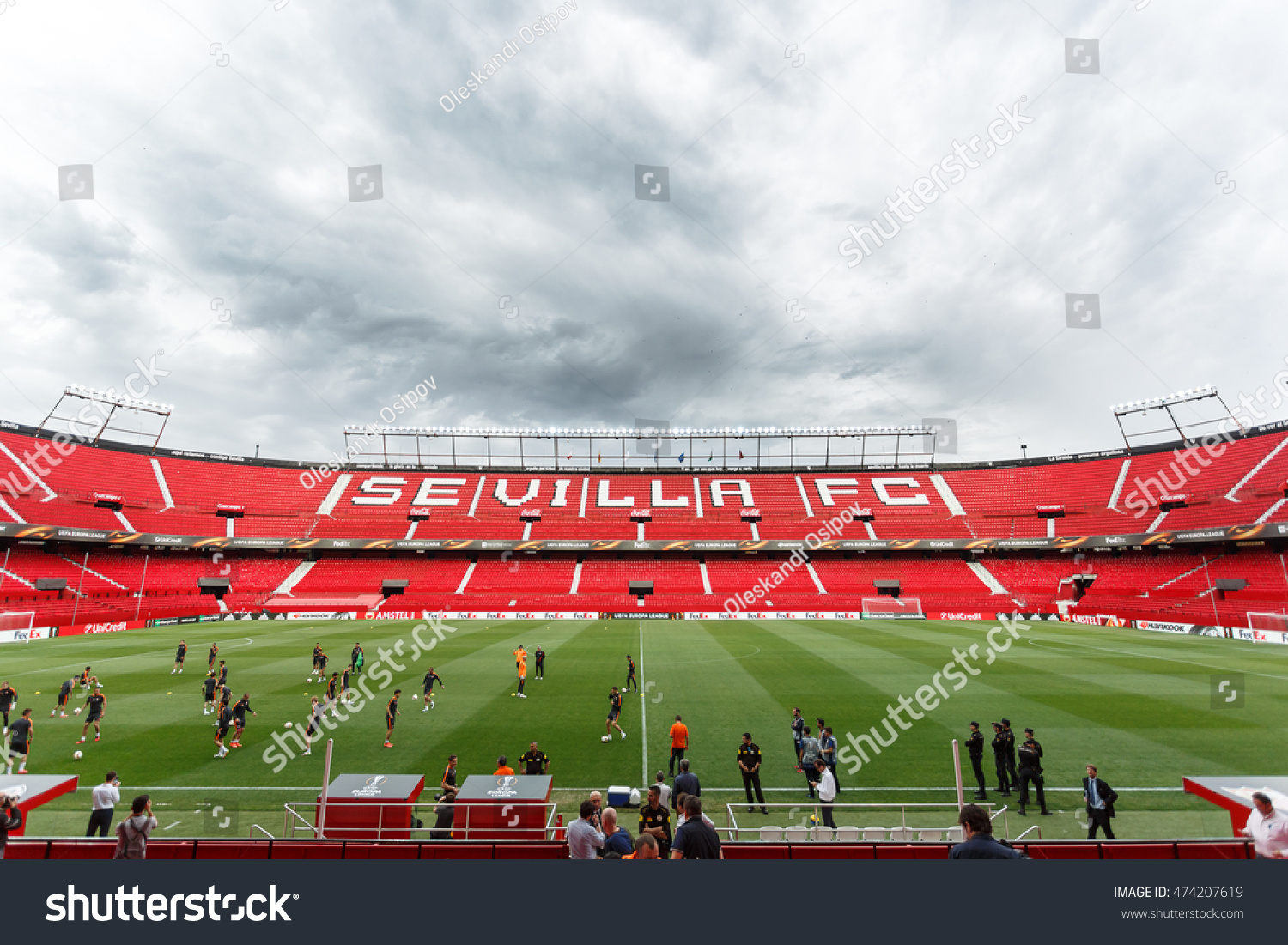 The largest stadium in Seville Ramon Sanchez Pizjuán: history and features of the football arena