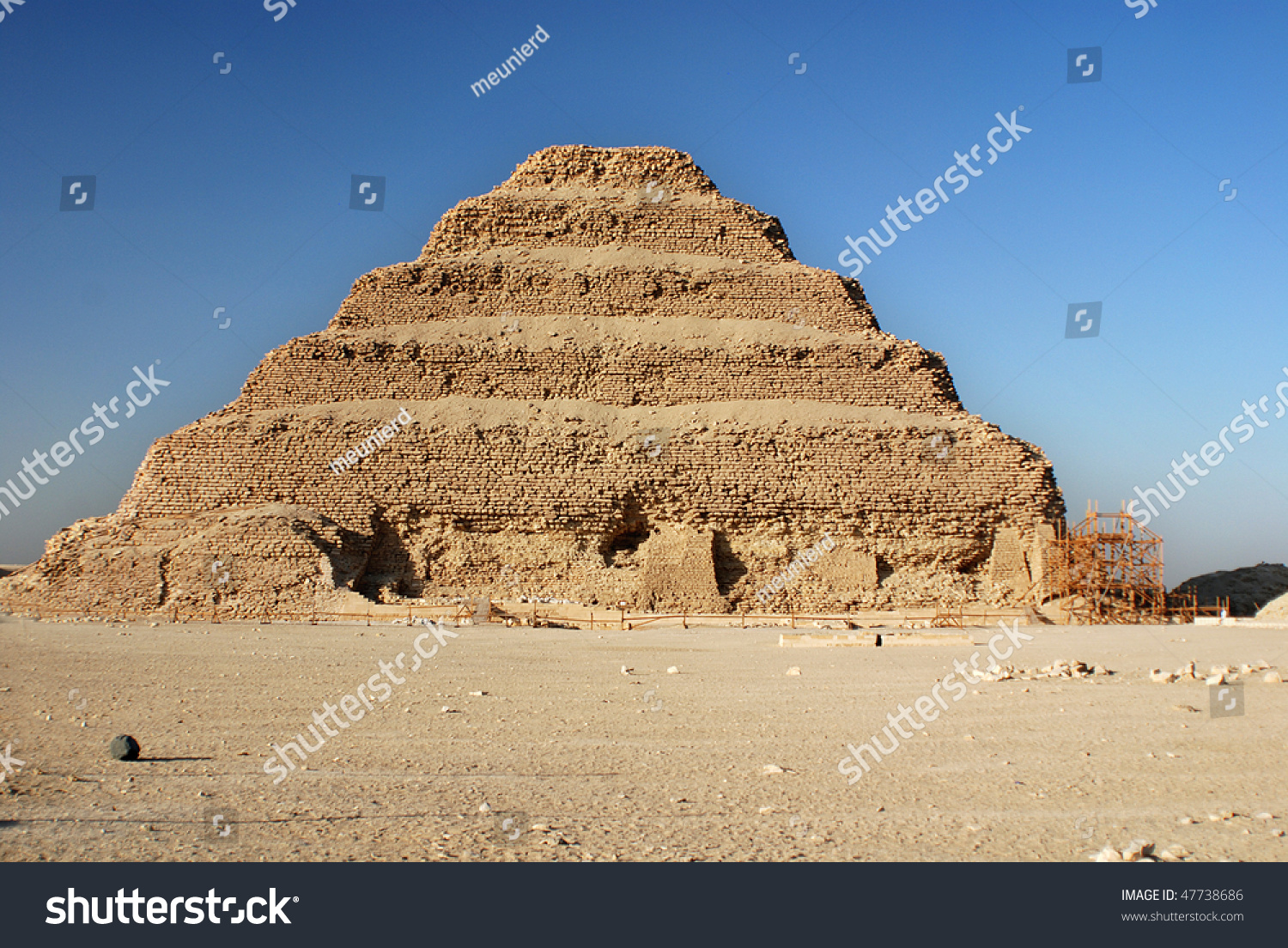 number of pyramids in egypt