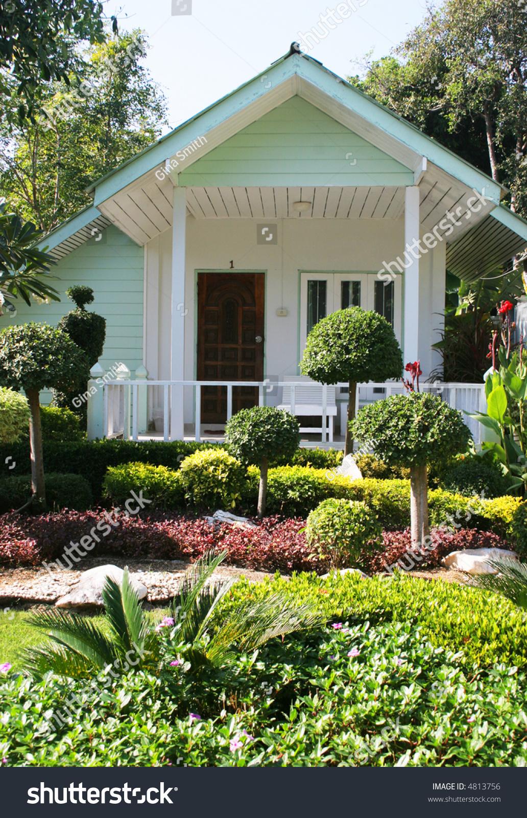 Cute Little House Garden Stock Photo 4813756 - Shutterstock