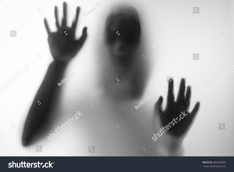 Horror Woman Behind Matte Glass Black Stockfoto Jetzt Bearbeiten