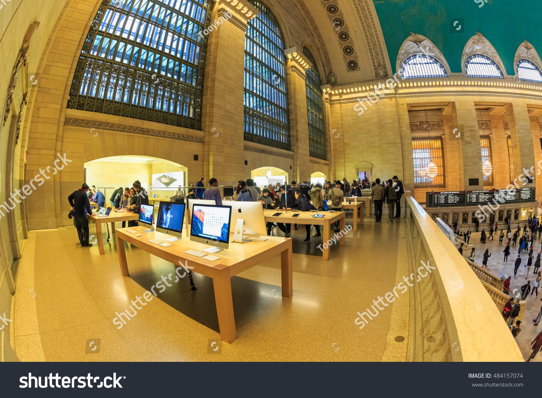 NEW YORK NOV 1 Custoemers Visit Stock Photo (Download Now) 484157074 ...