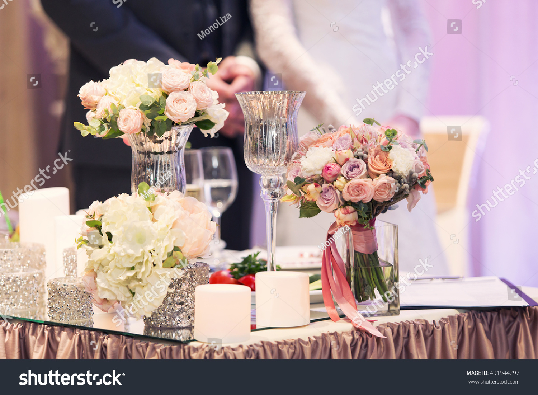 Luxury violet wedding decor flowers presidium stock photo luxury violet wedding decor with flowers at presidium the newlywed junglespirit Gallery
