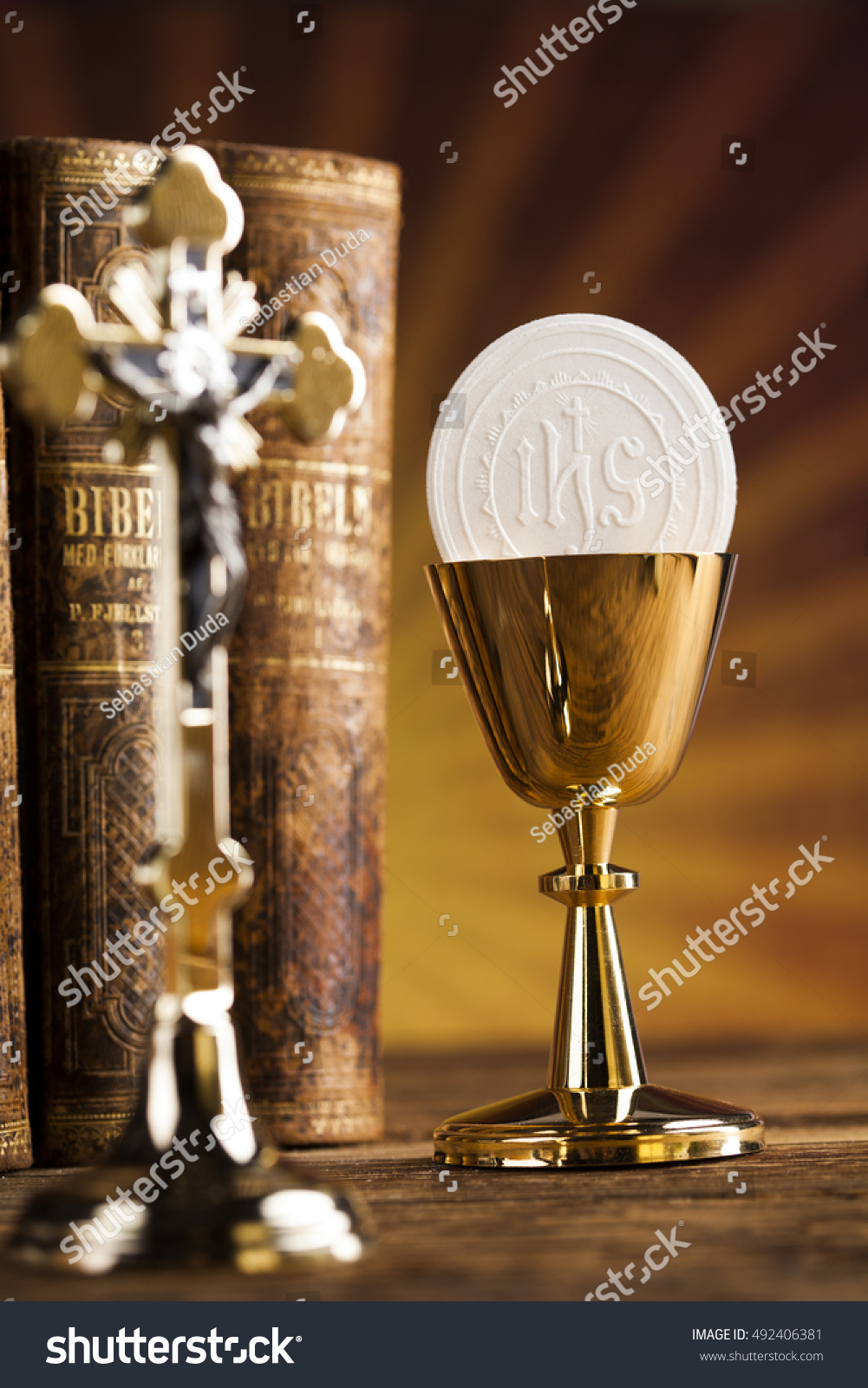 the eucharist sacrament signs symbols Signs & symbols signs and symbols of the eucharist a symbol is a sign for something else like the golden arches which stand for mcdonalds.