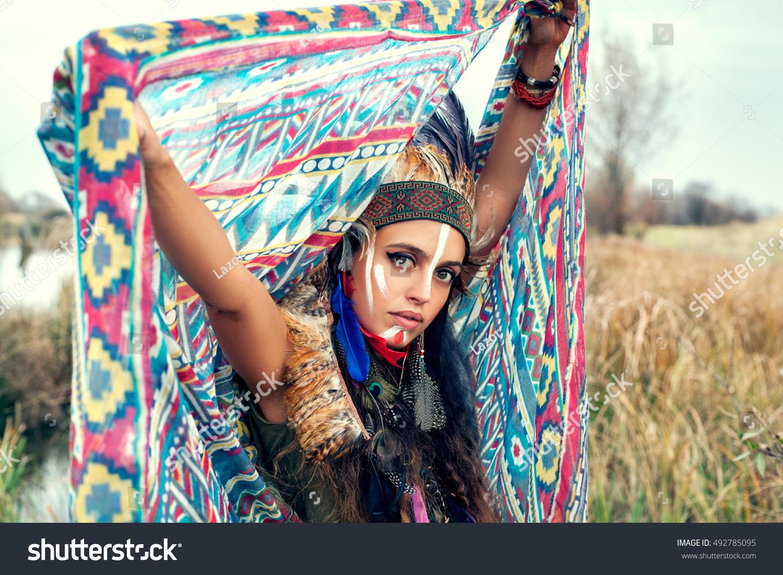 Beautiful native american women headdress apologise
