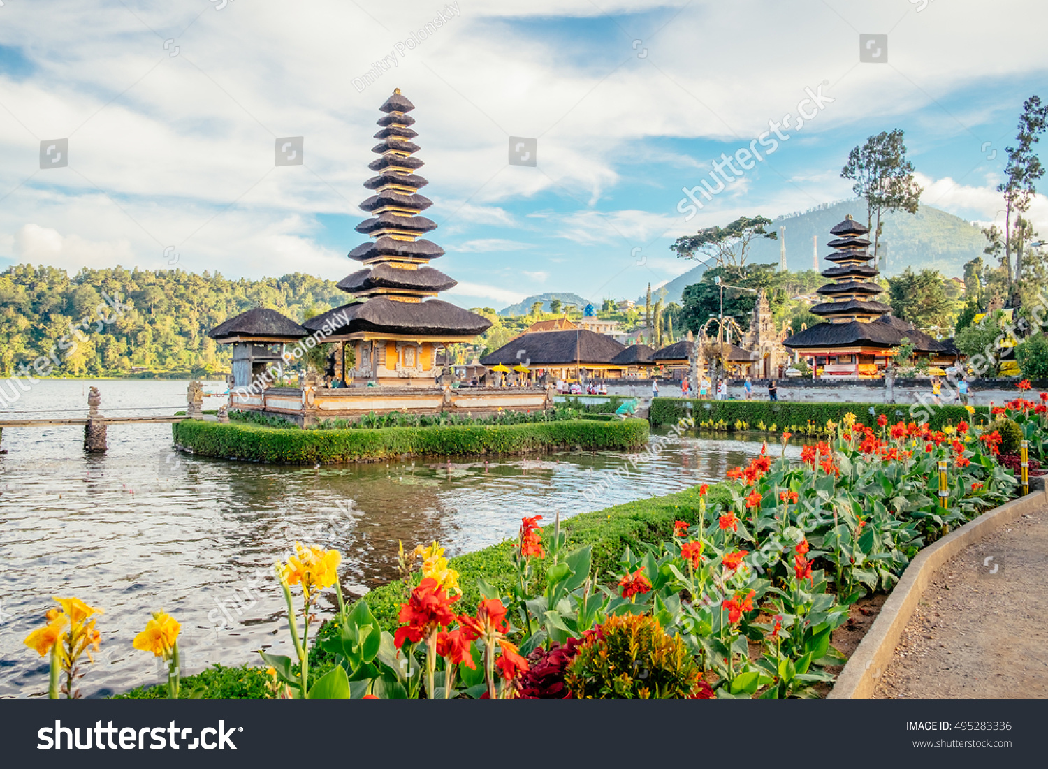 Pura Ulun Danu Bratan Bali Island Stock Photo Edit Now 495283336