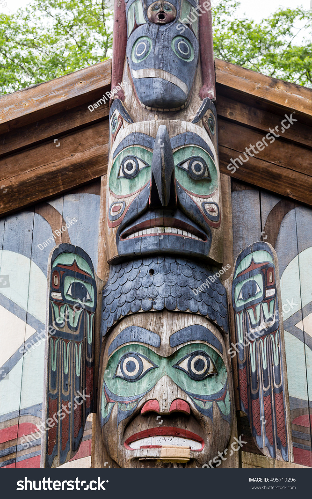 Ancient Inuit Totem Alaska Stock Photo 495719296 ...