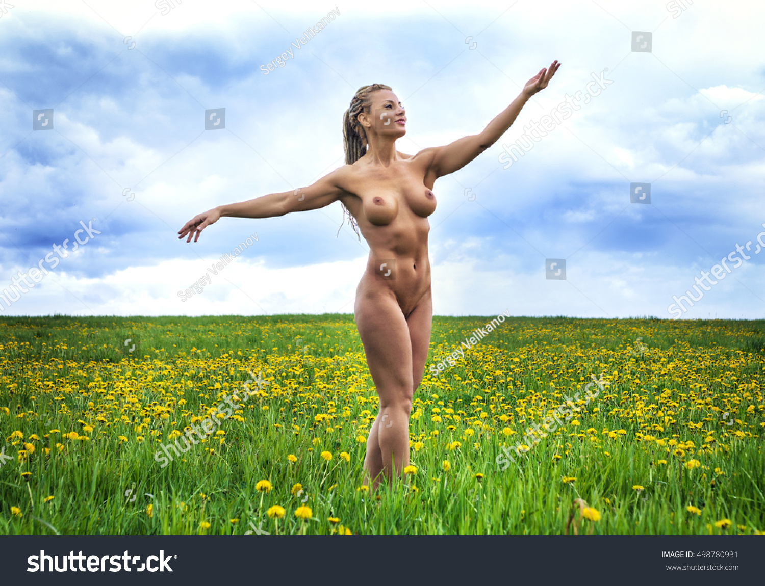 athletic woman nude