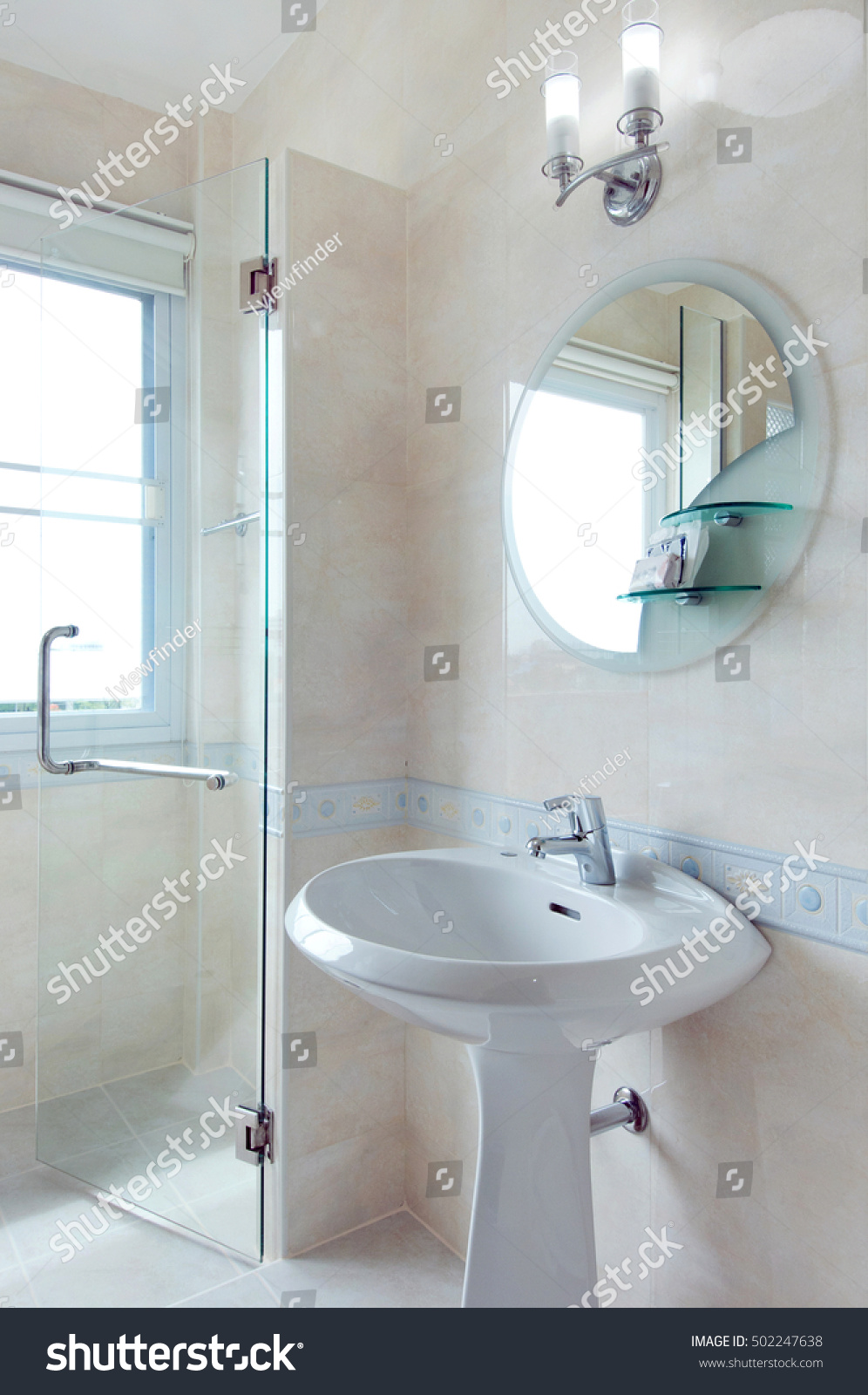 bathroom with a beautiful interior | EZ Canvas