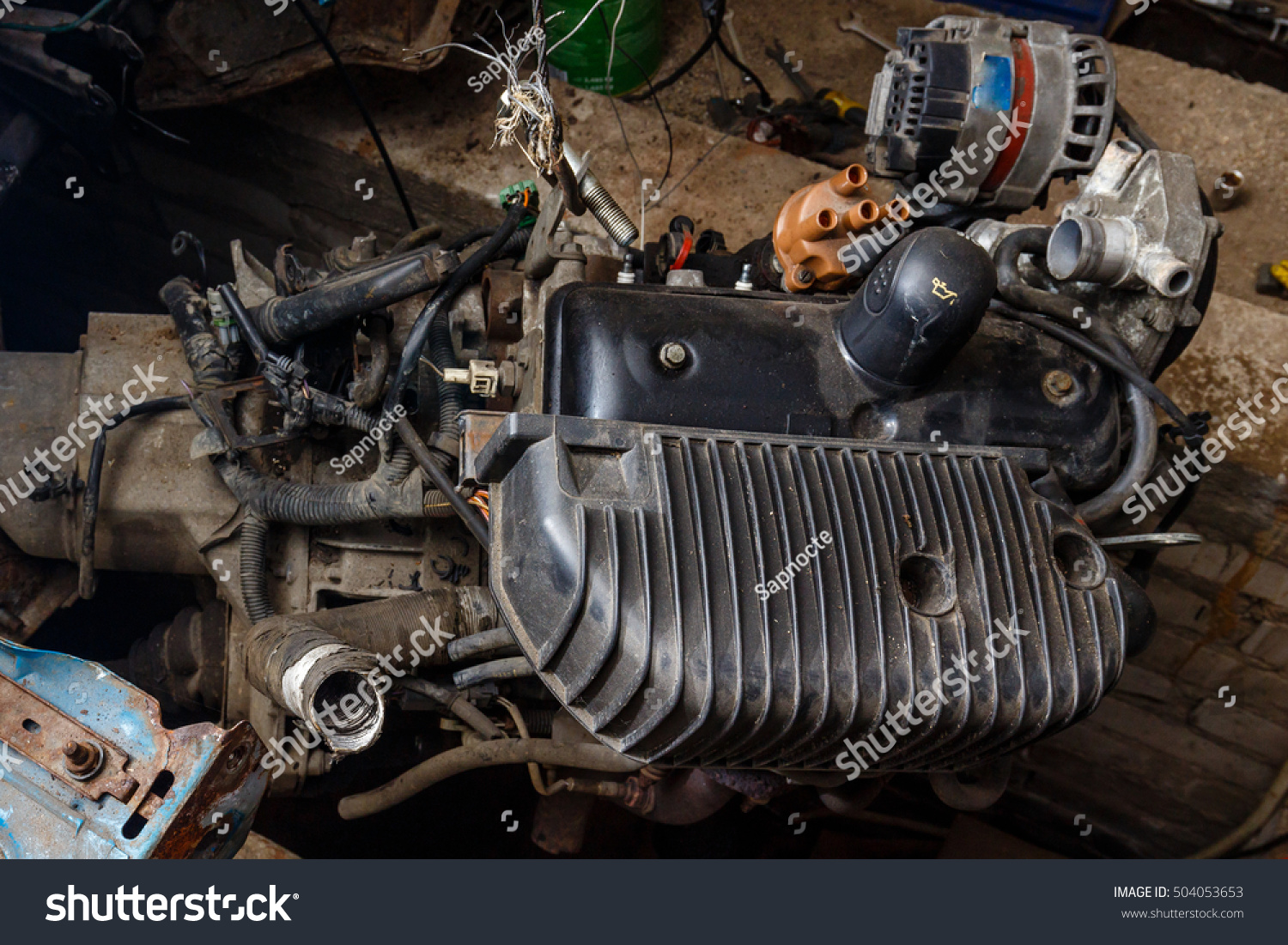 Breaking Down Old Car Engine Stock Photo 504053653 - Shutterstock