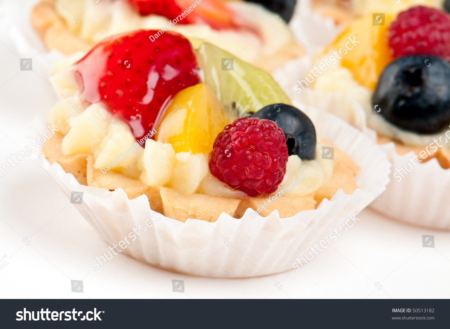 Dessert made of fruit over a voulavent pastry volauvent for Canape meaning in english
