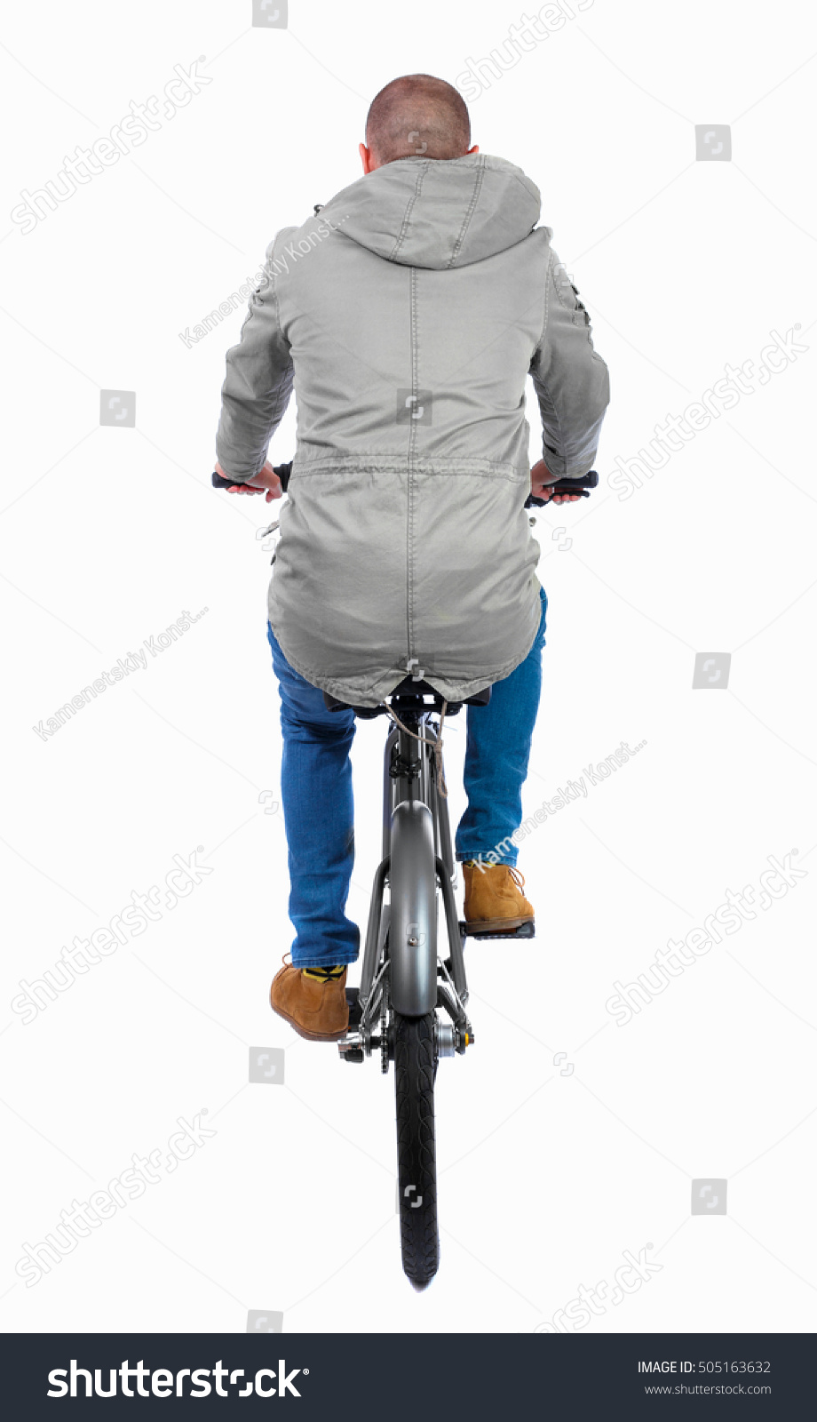 back view man bicycle cyclist rides の写真素材 今すぐ編集