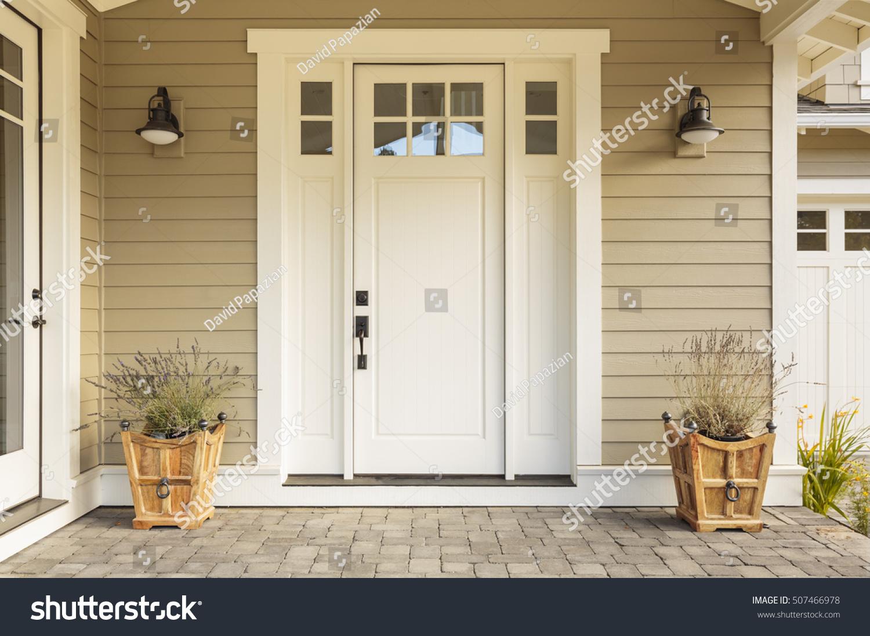 White Front Door : White front door small square decorative photo libre de
