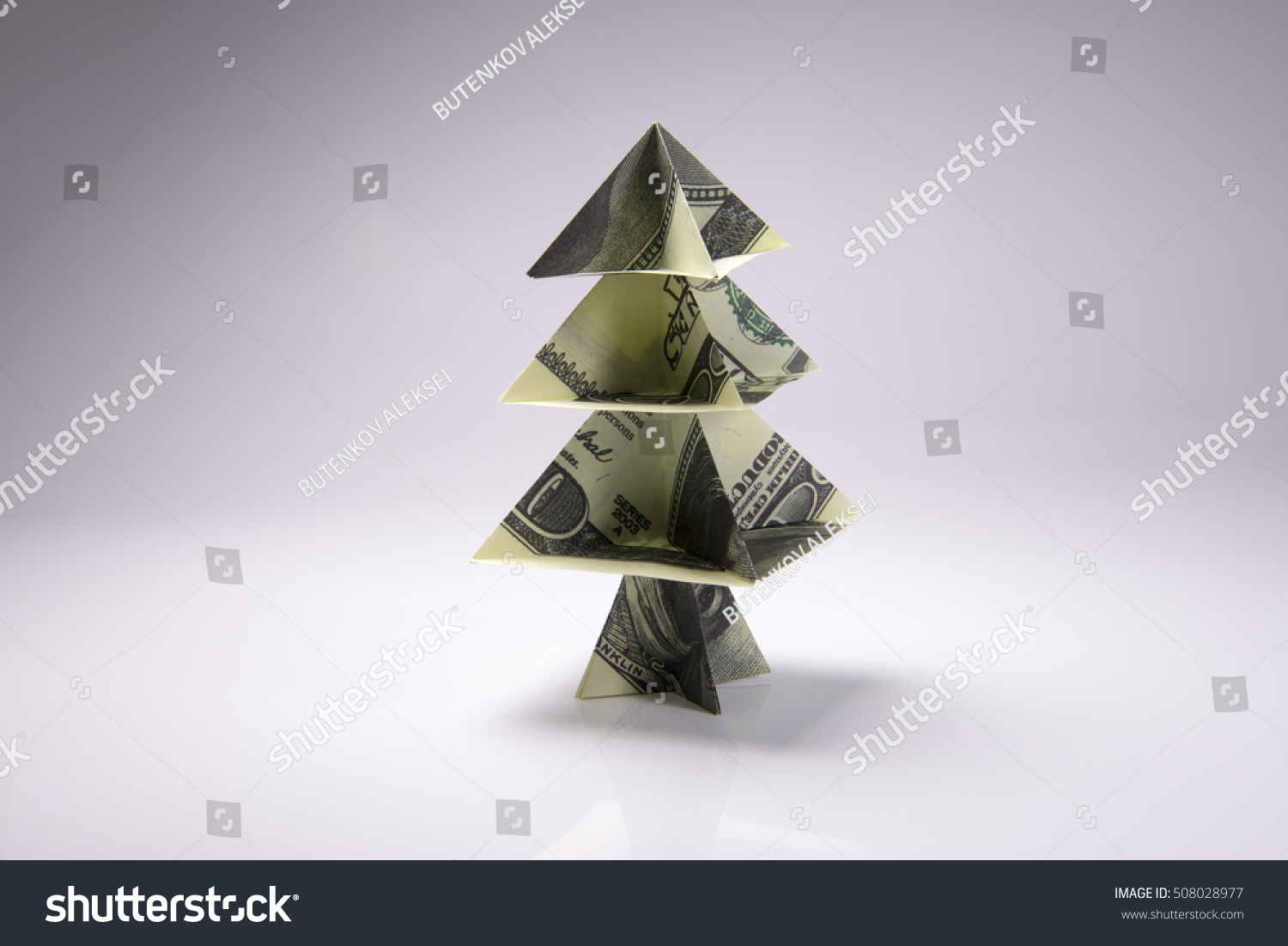 Money Origami Christmas tree Stock Photo - Alamy | 1102x1500