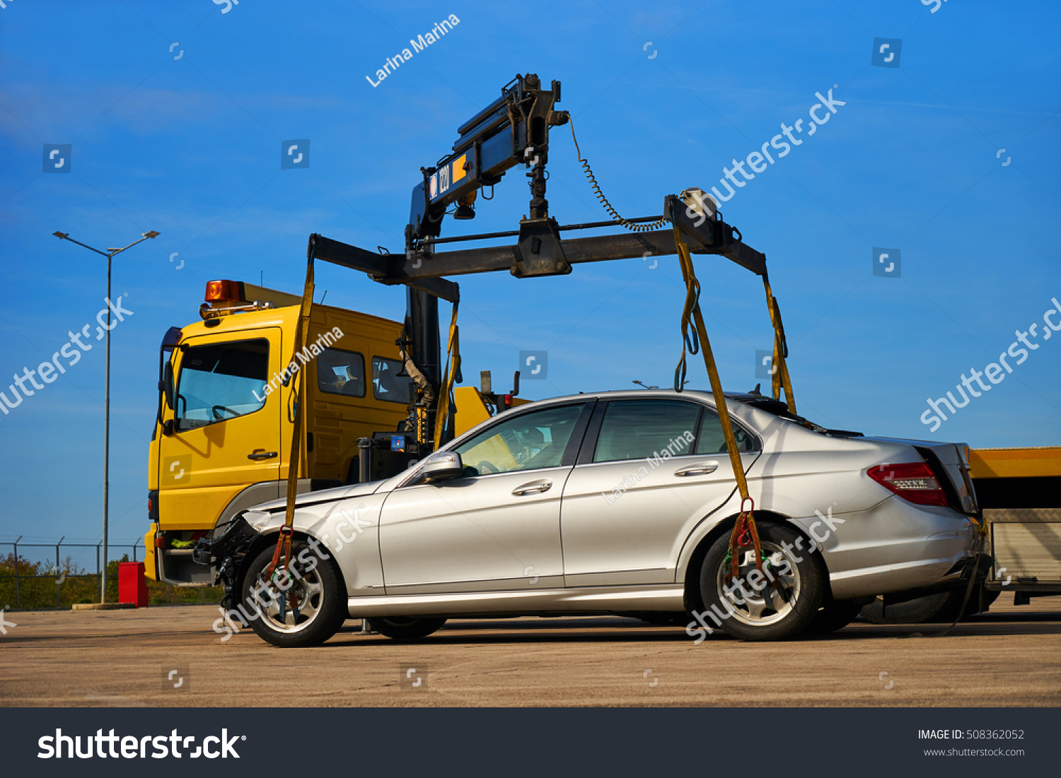 Tow Truck Loads Smashed Car After Stock Photo 508362052