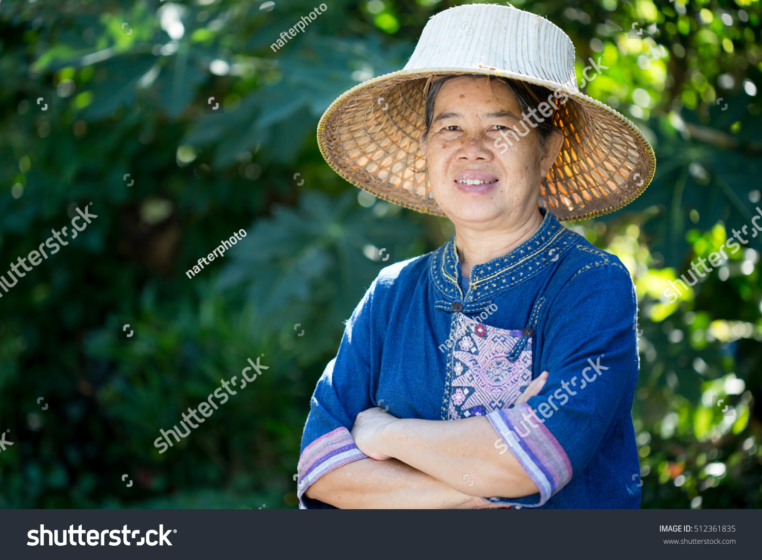 Old Women Wearing Straw Hats Gardenasian Stock Photo (Edit Now ... 18e4885d052