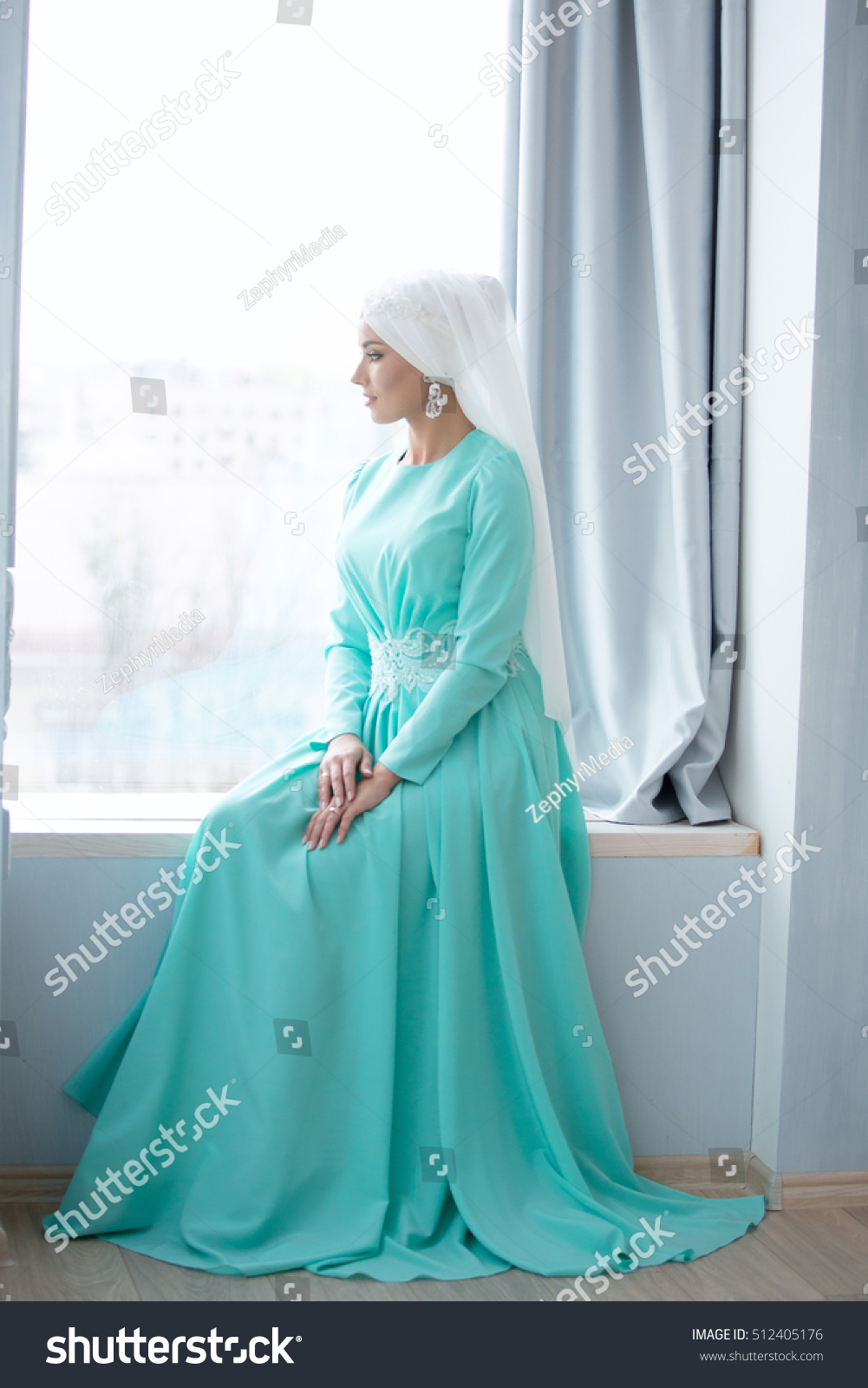 Young Beautiful Bride Green Traditional Muslim Stock Photo (100 ...